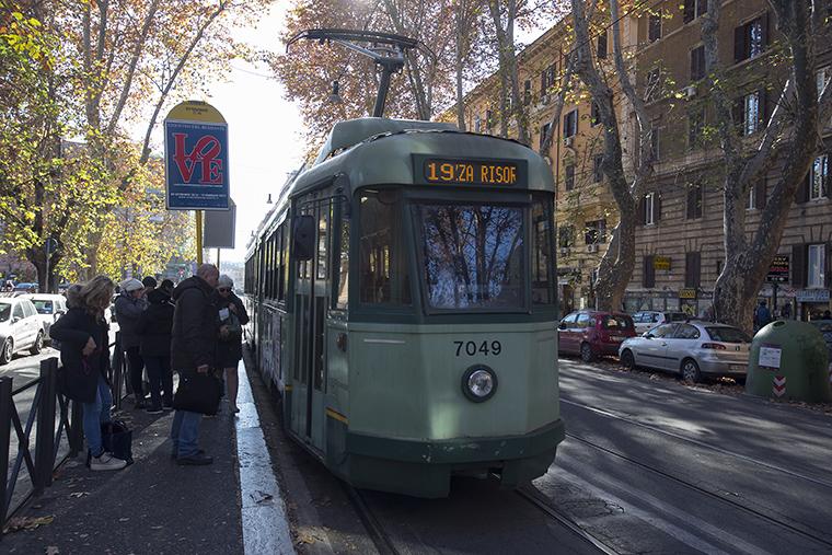 tram in viale Regina Margherita